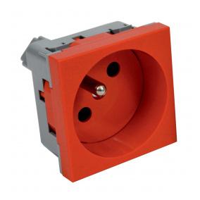 QP 45X45 C BB - zásuvkový modul QUADRO s ochraným kolíkem a clonkami